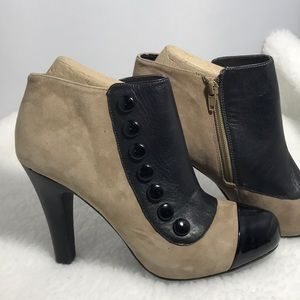 Gianni Bini Ankle Boots 2 Tone Suede & Patent 9M